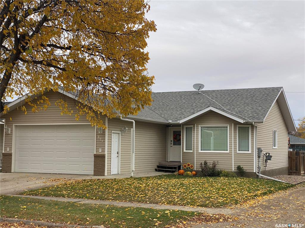 Main Photo: 121 4th Avenue West in Unity: Residential for sale : MLS®# SK828995