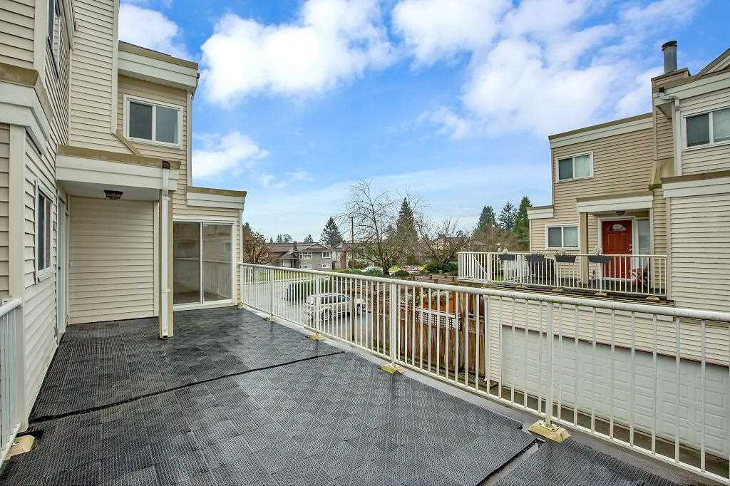 """Main Photo: 103 10091 156 Street in Surrey: Guildford Townhouse for sale in """"GUILDFORD PARK ESTATES"""" (North Surrey)  : MLS®# R2524886"""