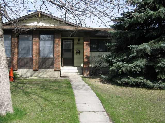 Main Photo: 828 WHITEMONT Drive NE in CALGARY: Whitehorn Residential Detached Single Family for sale (Calgary)  : MLS®# C3474871