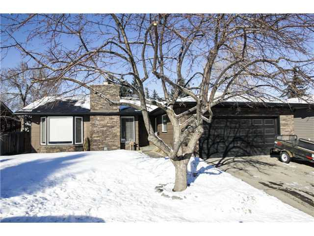 Main Photo: 888 PARKRIDGE Road SE in CALGARY: Parkland Residential Detached Single Family for sale (Calgary)  : MLS®# C3601816