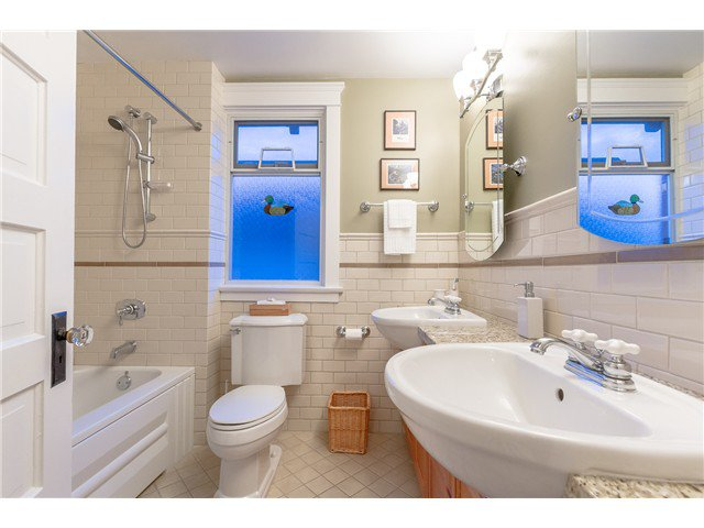 """Photo 13: Photos: 1233 VICTORIA Drive in Vancouver: House for sale in """"COMMERCIAL DRIVE"""" (Vancouver East)  : MLS®# V1065231"""