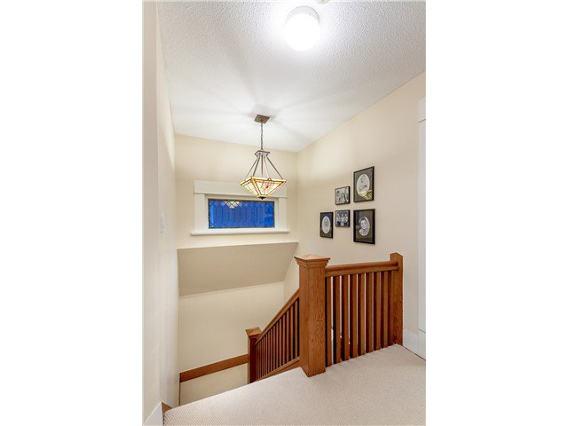 """Photo 14: Photos: 1233 VICTORIA Drive in Vancouver: House for sale in """"COMMERCIAL DRIVE"""" (Vancouver East)  : MLS®# V1065231"""