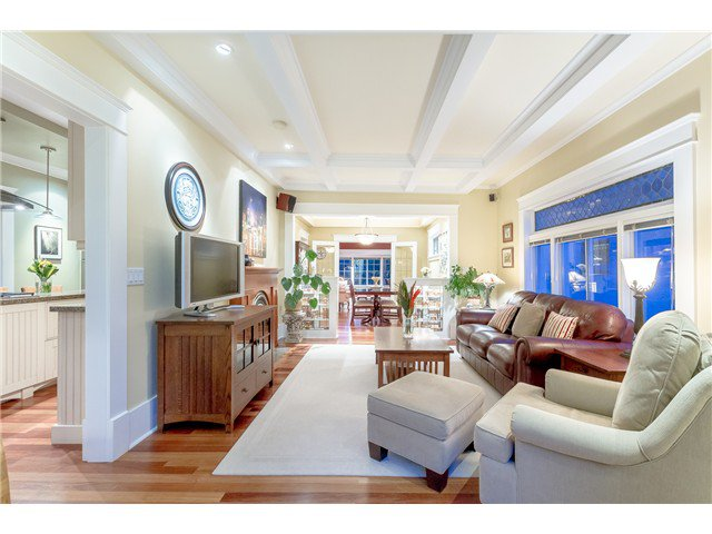 """Photo 8: Photos: 1233 VICTORIA Drive in Vancouver: House for sale in """"COMMERCIAL DRIVE"""" (Vancouver East)  : MLS®# V1065231"""
