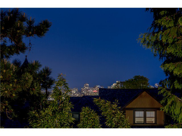 """Photo 16: Photos: 1233 VICTORIA Drive in Vancouver: House for sale in """"COMMERCIAL DRIVE"""" (Vancouver East)  : MLS®# V1065231"""