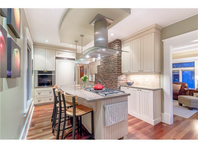 """Photo 3: Photos: 1233 VICTORIA Drive in Vancouver: House for sale in """"COMMERCIAL DRIVE"""" (Vancouver East)  : MLS®# V1065231"""