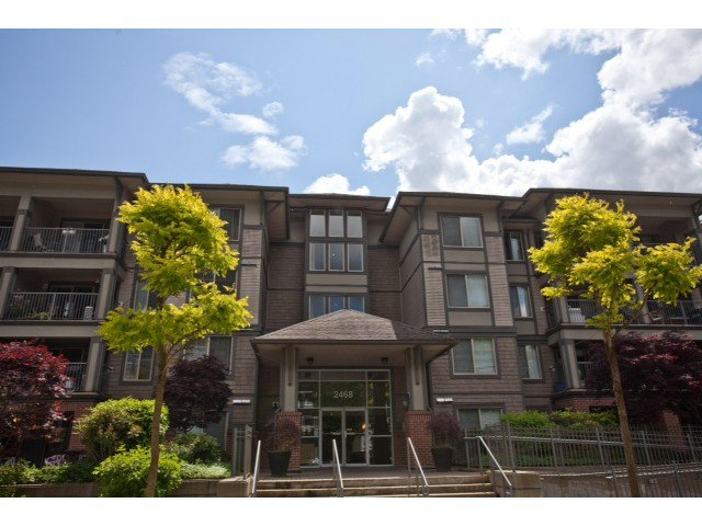 Main Photo: 405 2468 ATKINS Avenue in Port Coquitlam: Central Pt Coquitlam Condo for sale : MLS®# V1066375