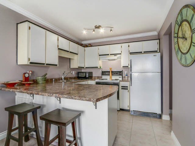 """Photo 5: Photos: 401 450 BROMLEY Street in Coquitlam: Coquitlam East Condo for sale in """"BROMELY"""" : MLS®# V1114021"""