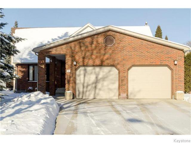 Main Photo: 19 Radium Cove in WINNIPEG: North Kildonan Residential for sale (North East Winnipeg)  : MLS®# 1601477