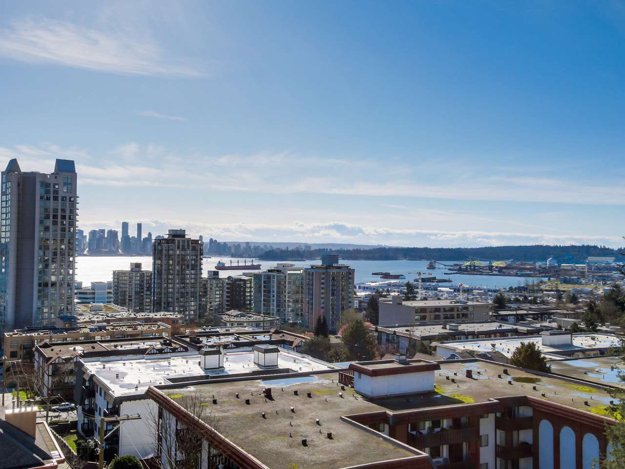 "Photo 11: Photos: 801 505 LONSDALE Avenue in North Vancouver: Lower Lonsdale Condo for sale in ""La Premiere"" : MLS®# R2047906"