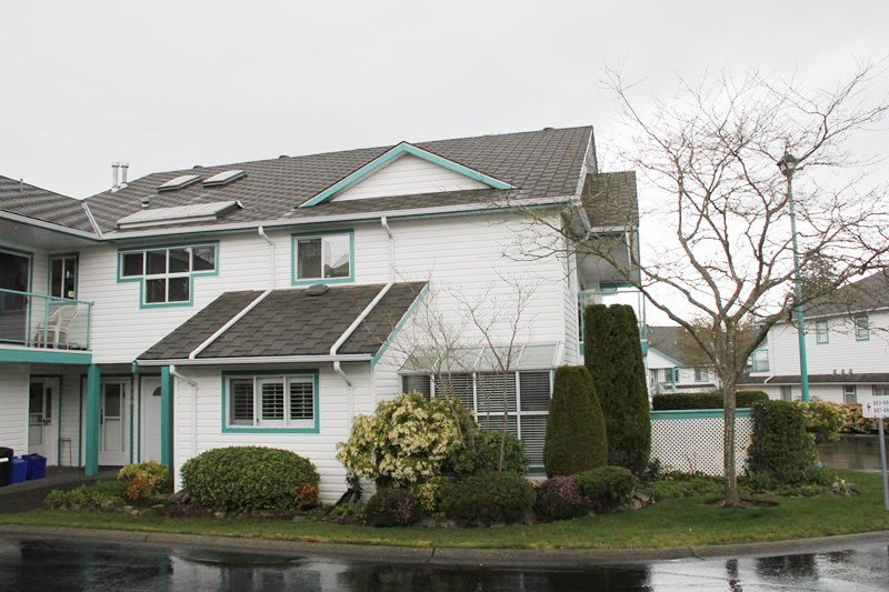 """Main Photo: 807 21937 48 Avenue in Langley: Murrayville Townhouse for sale in """"Orangewood"""" : MLS®# R2048713"""