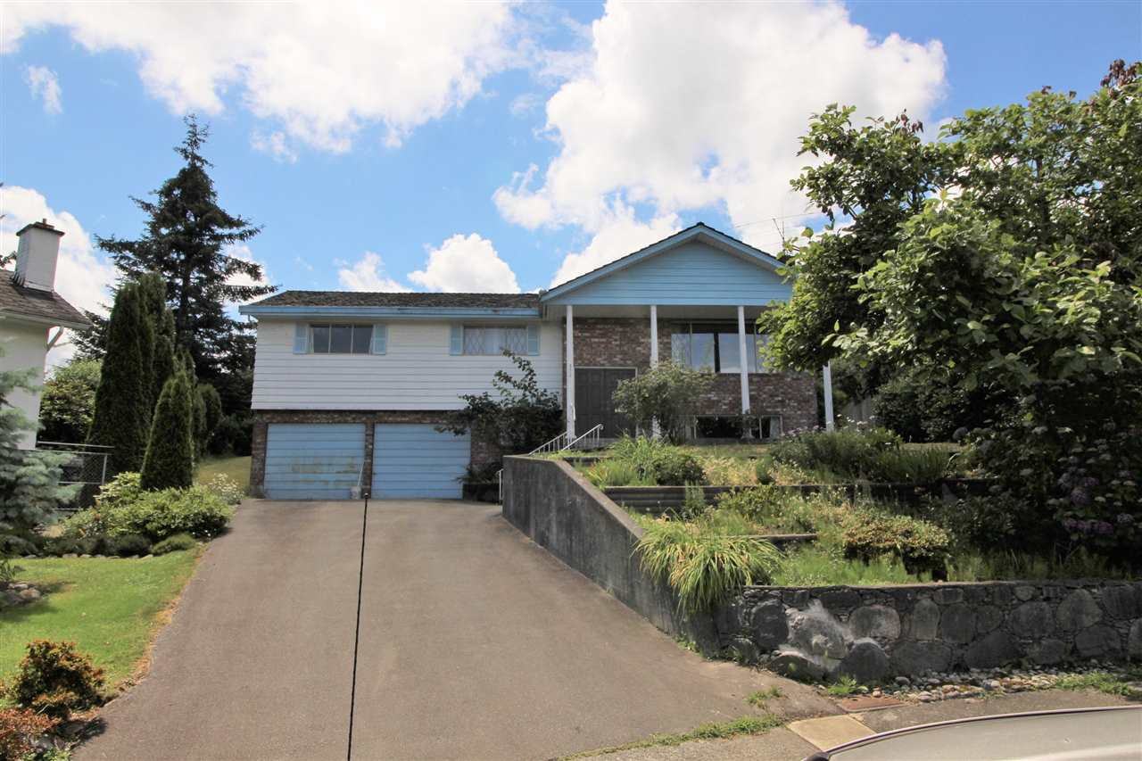 Main Photo: 332 NOOTKA Street in New Westminster: The Heights NW House for sale : MLS®# R2079907
