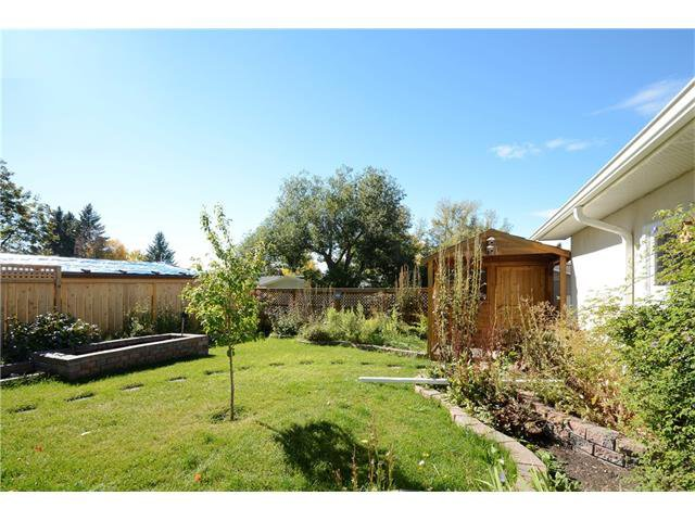 Photo 40: Photos: 4531 CLARET Street NW in Calgary: Charleswood House for sale : MLS®# C4083490