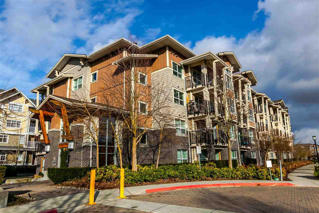"Main Photo: 104 5775 IRMIN Street in Burnaby: Metrotown Condo for sale in ""Macpherson Walk"" (Burnaby South)  : MLS®# R2142299"