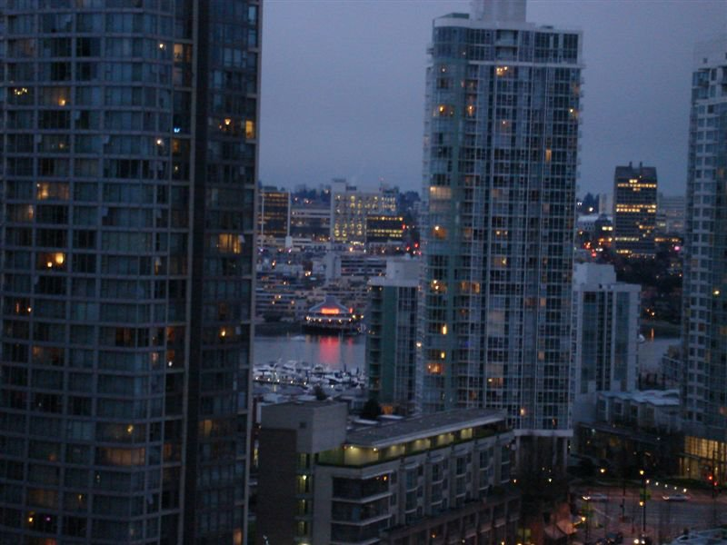 Main Photo: 1706 909 MAINLAND Street in Yaletown Park 2: Home for sale : MLS®# V697437