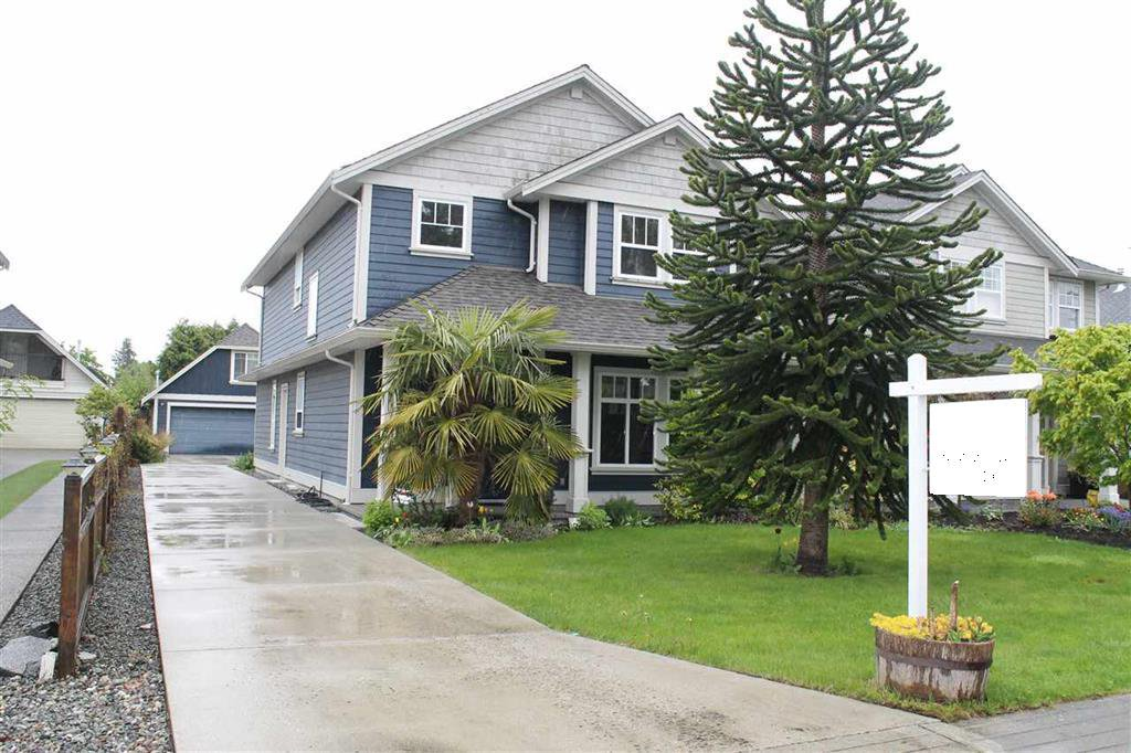 Main Photo: A 4951 CENTRAL Avenue in Delta: Hawthorne House for sale (Ladner)  : MLS®# R2160531
