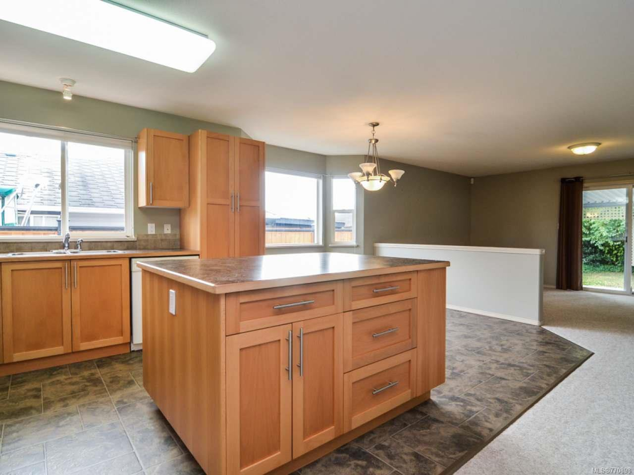Photo 11: Photos: 135 Colorado Dr in CAMPBELL RIVER: CR Willow Point House for sale (Campbell River)  : MLS®# 770898