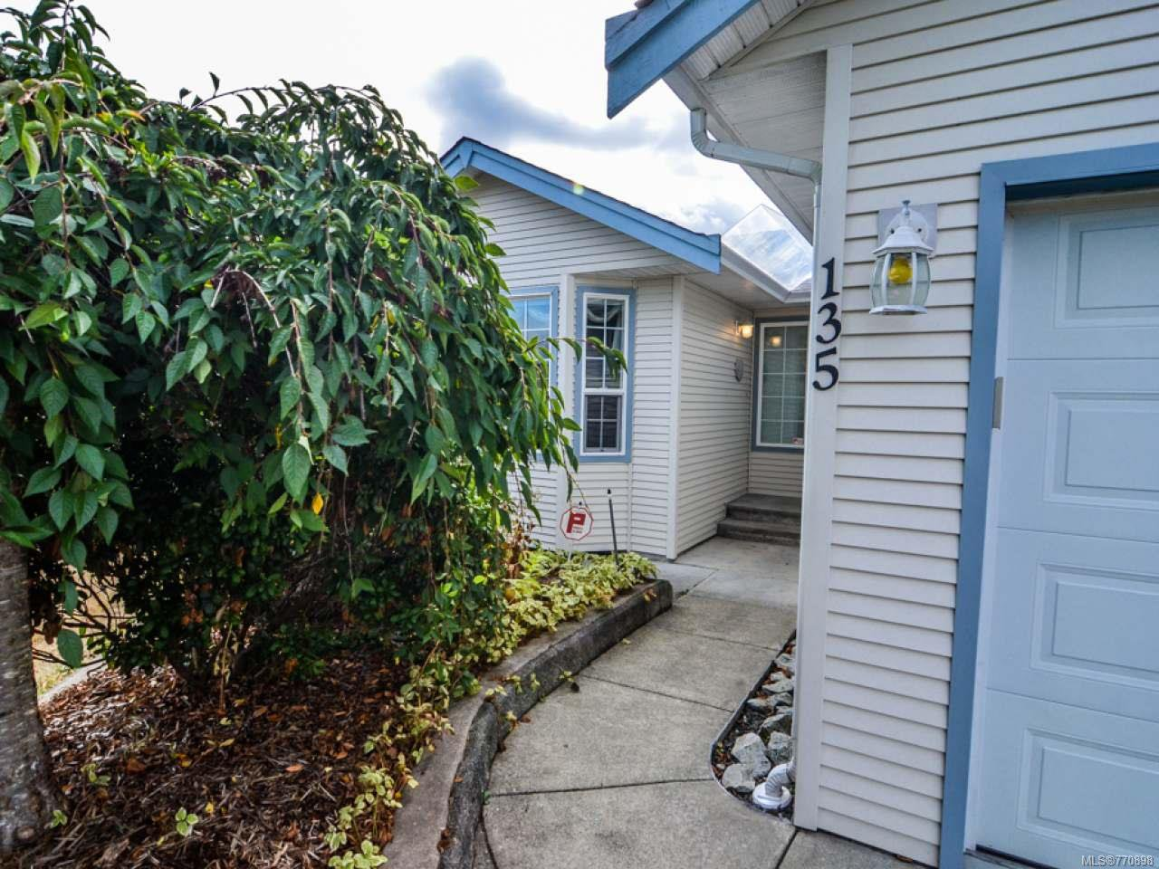 Photo 3: Photos: 135 Colorado Dr in CAMPBELL RIVER: CR Willow Point House for sale (Campbell River)  : MLS®# 770898