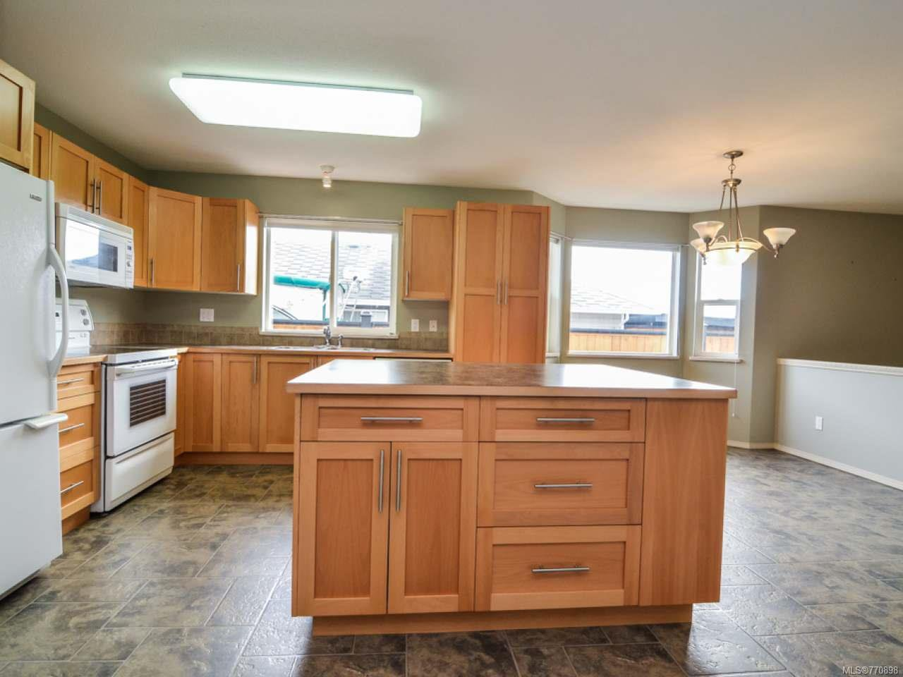 Photo 9: Photos: 135 Colorado Dr in CAMPBELL RIVER: CR Willow Point House for sale (Campbell River)  : MLS®# 770898
