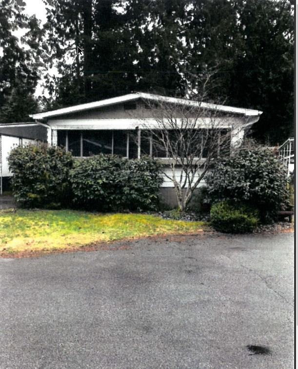 """Main Photo: 24 2306 198 Street in Langley: Brookswood Langley Manufactured Home for sale in """"Cedar Lane"""" : MLS®# R2232186"""
