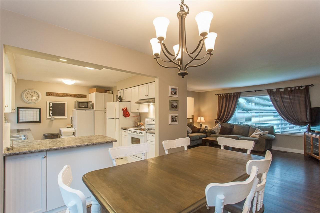 Main Photo: 11780 GEE Street in Maple Ridge: East Central House for sale : MLS®# R2238128
