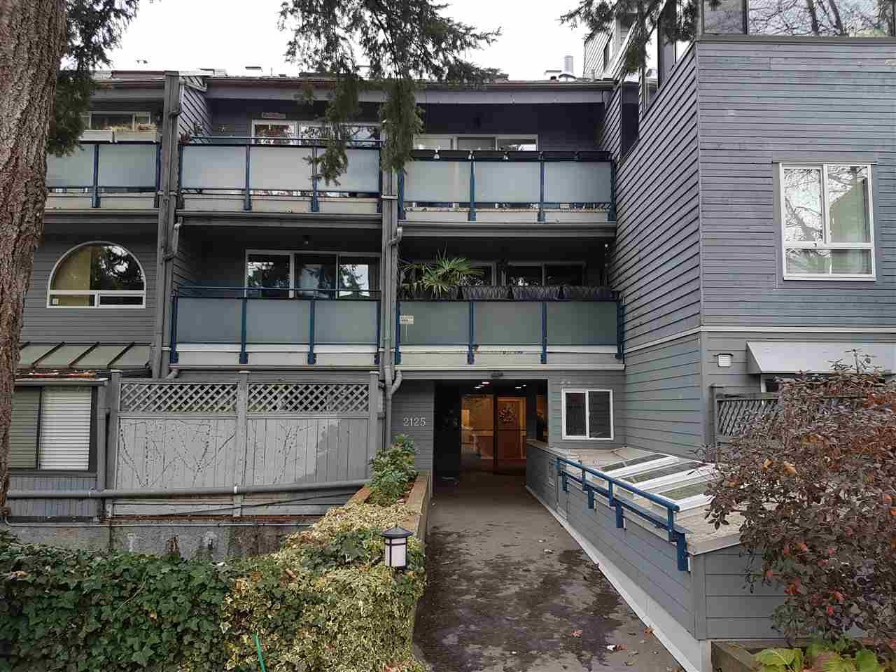 Main Photo: 203 2125 YORK Avenue in Vancouver: Kitsilano Condo for sale (Vancouver West)  : MLS®# R2253317