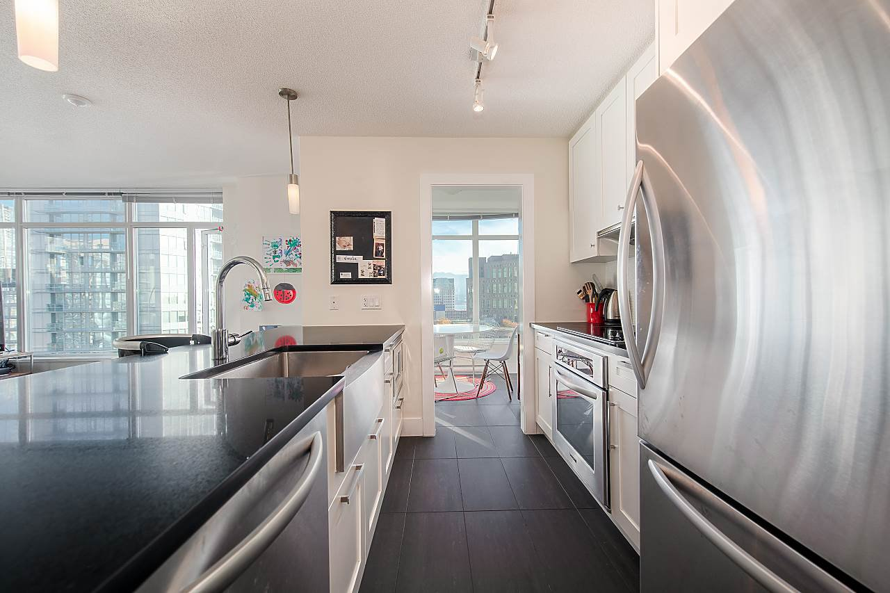 """Main Photo: 2403 888 HOMER Street in Vancouver: Downtown VW Condo for sale in """"THE BEASLEY"""" (Vancouver West)  : MLS®# R2308021"""