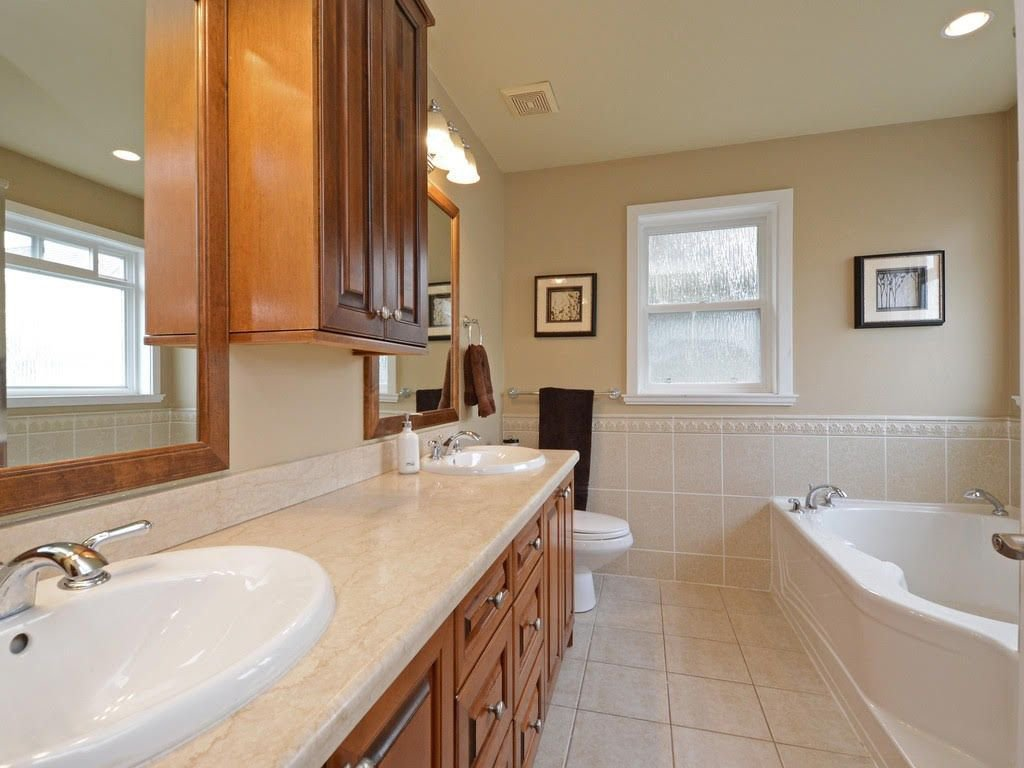 Photo 11: Photos: 4857 47A Avenue in Delta: Ladner Elementary House for sale (Ladner)  : MLS®# R2312477
