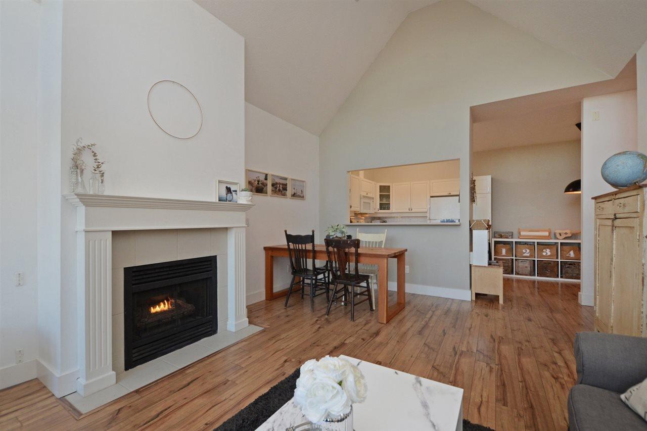 "Photo 4: Photos: 301 4745 54A Street in Delta: Delta Manor Condo for sale in ""ADLINGTON COURT"" (Ladner)  : MLS®# R2337535"