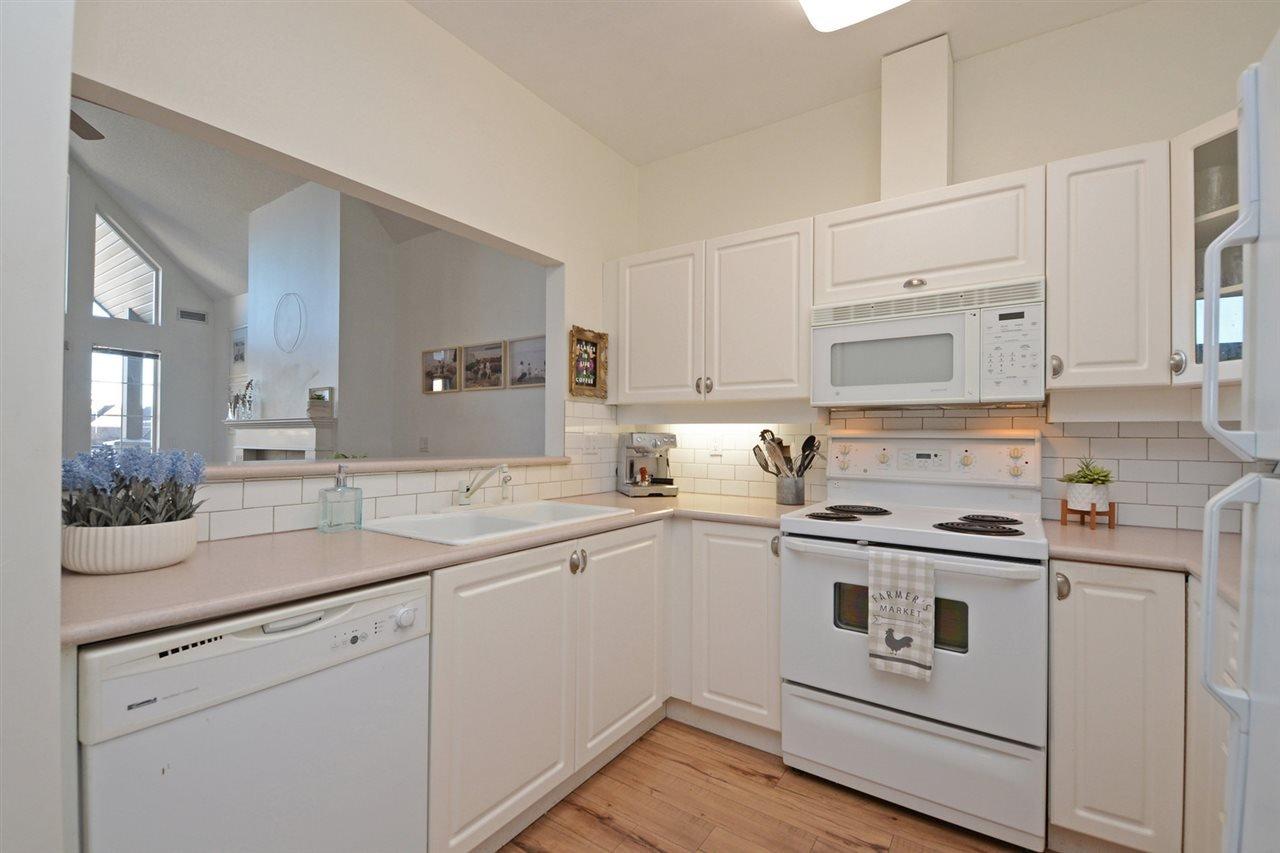 "Photo 7: Photos: 301 4745 54A Street in Delta: Delta Manor Condo for sale in ""ADLINGTON COURT"" (Ladner)  : MLS®# R2337535"