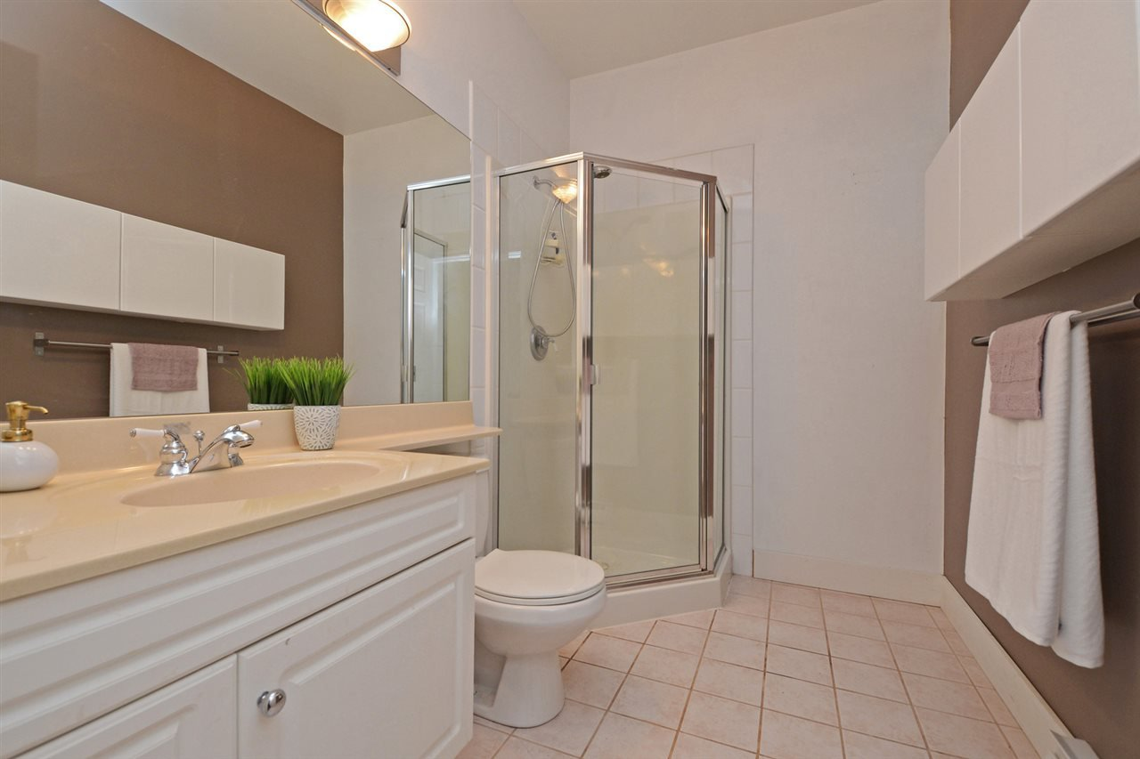 "Photo 13: Photos: 301 4745 54A Street in Delta: Delta Manor Condo for sale in ""ADLINGTON COURT"" (Ladner)  : MLS®# R2337535"