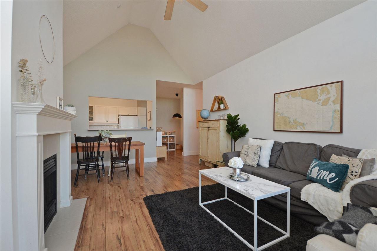 "Photo 3: Photos: 301 4745 54A Street in Delta: Delta Manor Condo for sale in ""ADLINGTON COURT"" (Ladner)  : MLS®# R2337535"