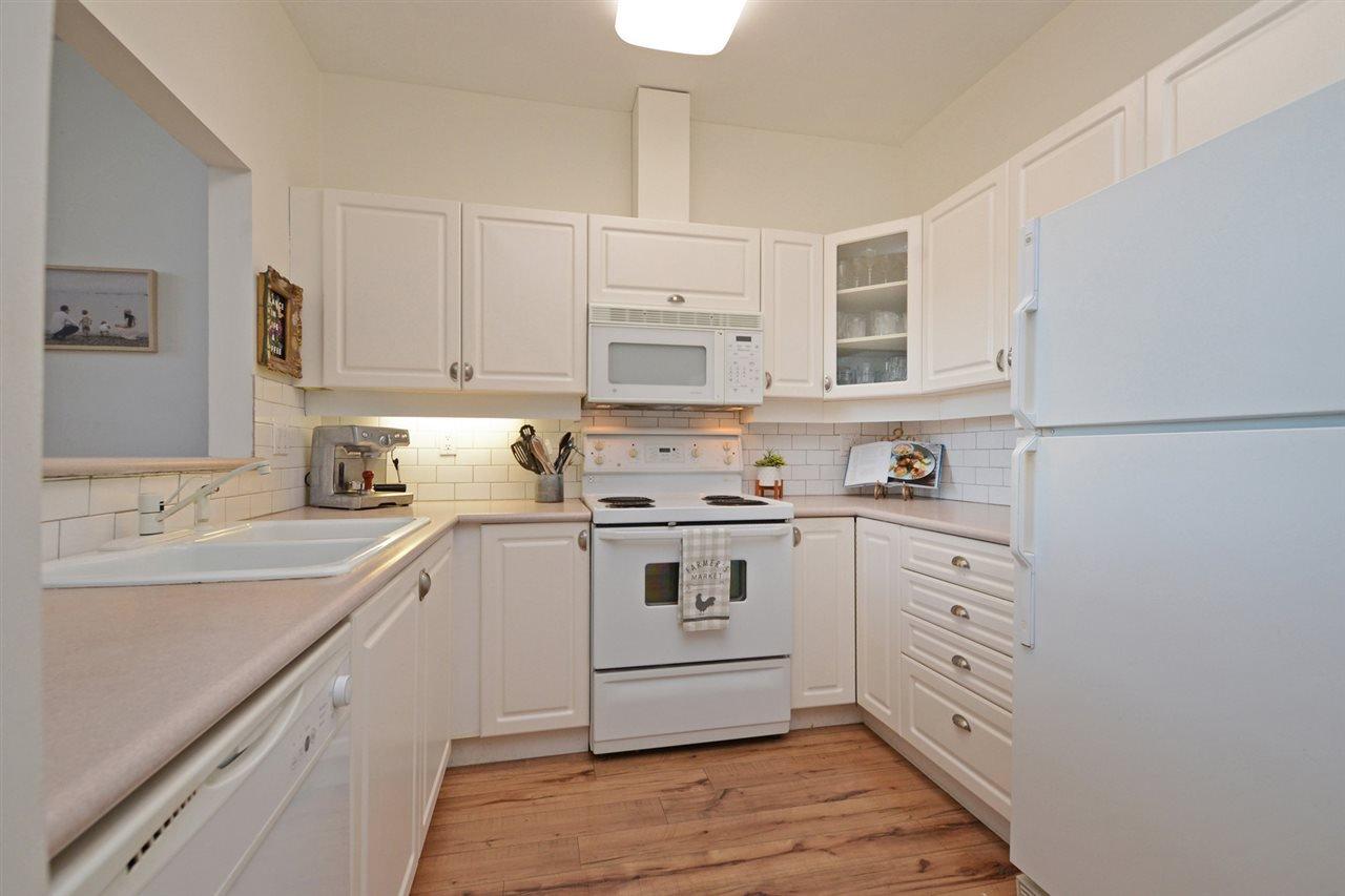 "Photo 8: Photos: 301 4745 54A Street in Delta: Delta Manor Condo for sale in ""ADLINGTON COURT"" (Ladner)  : MLS®# R2337535"