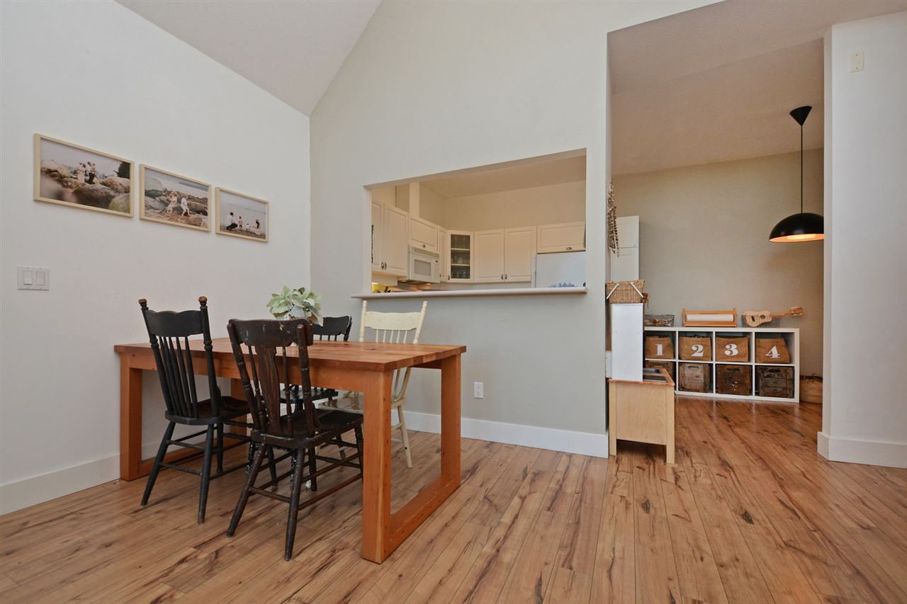 "Photo 5: Photos: 301 4745 54A Street in Delta: Delta Manor Condo for sale in ""ADLINGTON COURT"" (Ladner)  : MLS®# R2337535"