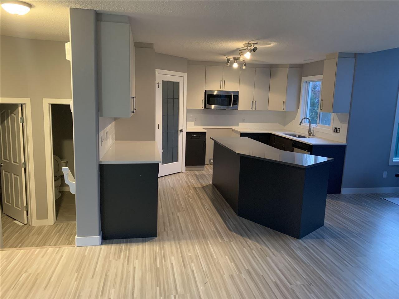 Main Photo: 2708 HANNA Court in Edmonton: Zone 14 House for sale : MLS®# E4164701