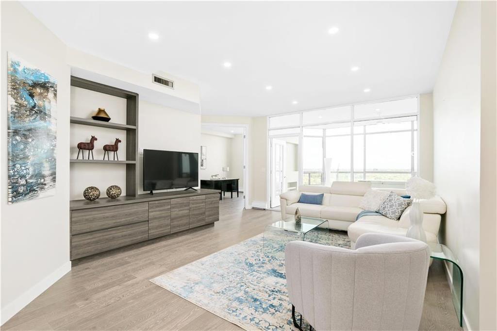 Photo 9: Photos: 1403 180 Tuxedo Avenue in Winnipeg: Tuxedo Condominium for sale (1E)  : MLS®# 202002406
