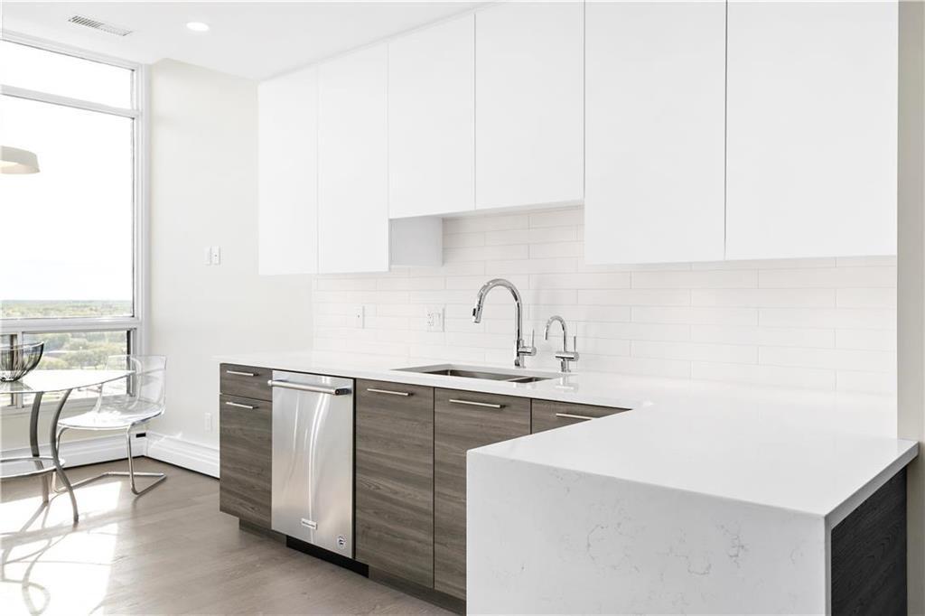 Photo 6: Photos: 1403 180 Tuxedo Avenue in Winnipeg: Tuxedo Condominium for sale (1E)  : MLS®# 202002406