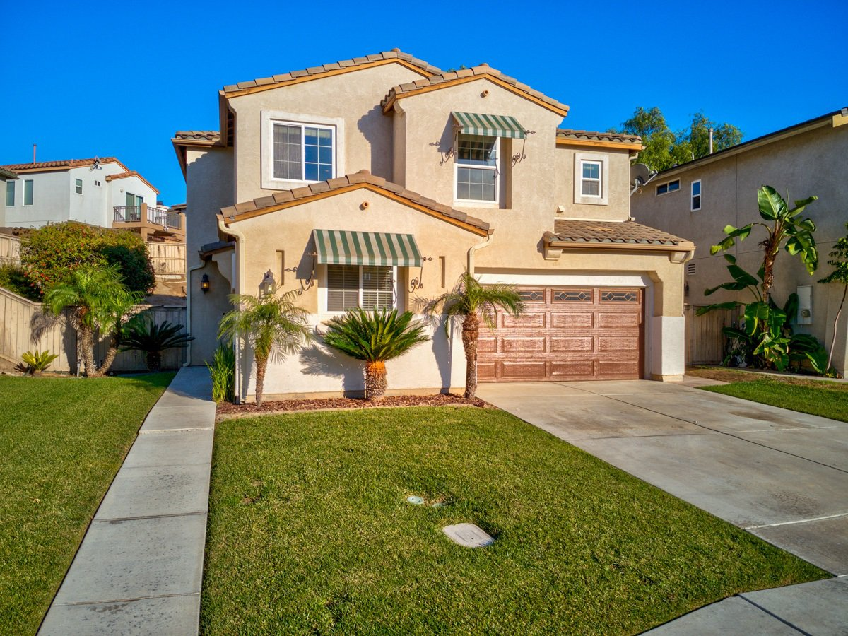 Main Photo: CHULA VISTA House for sale : 5 bedrooms : 1411 Yellowstone Ave