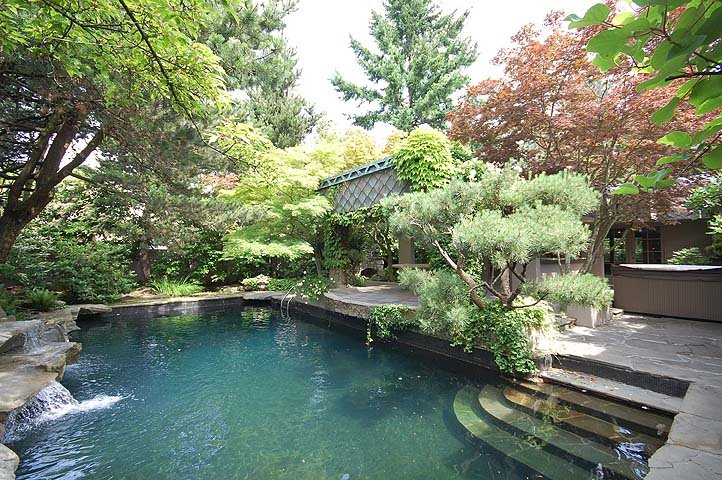 "Main Photo: 910 MASSEY Street in New Westminster: The Heights NW House for sale in ""MASSEY HEIGHTS"" : MLS®# V892603"