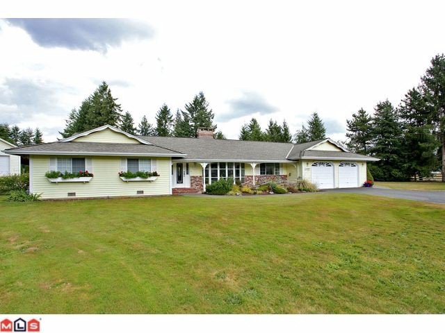 Main Photo: 24887 55A Avenue in Langley: Salmon River House for sale : MLS®# F1221846