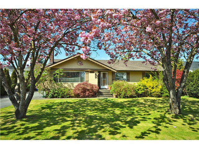 Main Photo: 4987 59A ST in Ladner: Hawthorne House for sale : MLS®# V1002665