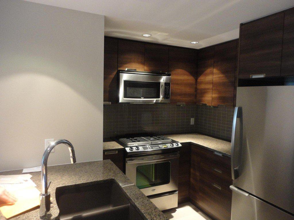 Photo 5: Photos: 1008-2968 Glen Drive in Coquitlam: Coquitlam Centre Condo for rent
