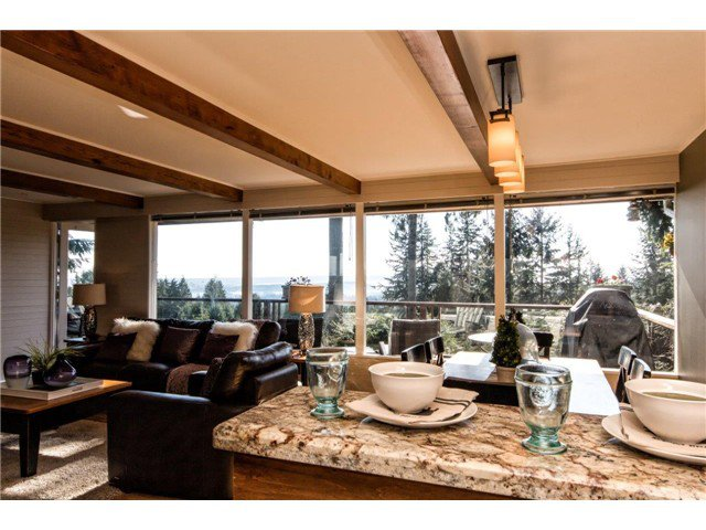 Photo 13: Photos: 473 MONTERAY Avenue in North Vancouver: Upper Delbrook House for sale : MLS®# V1115755