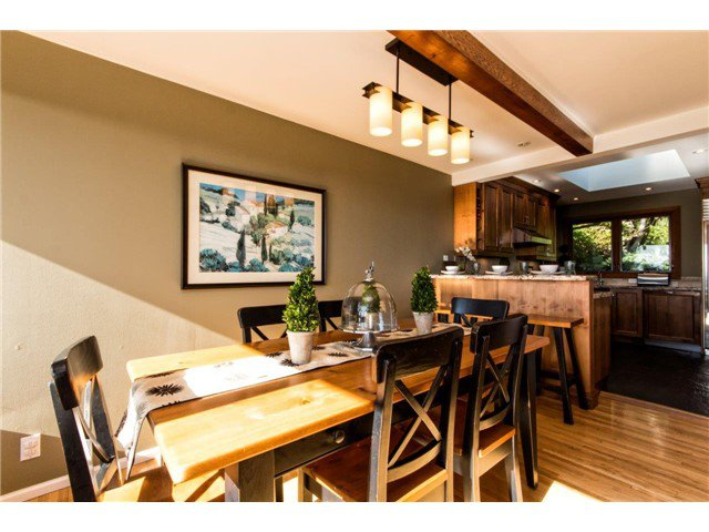 Photo 9: Photos: 473 MONTERAY Avenue in North Vancouver: Upper Delbrook House for sale : MLS®# V1115755