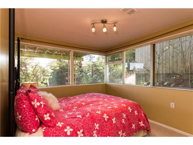 Photo 15: Photos: 473 MONTERAY Avenue in North Vancouver: Upper Delbrook House for sale : MLS®# V1115755