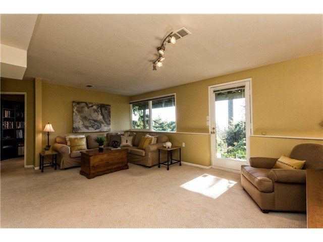 Photo 12: Photos: 473 MONTERAY Avenue in North Vancouver: Upper Delbrook House for sale : MLS®# V1115755