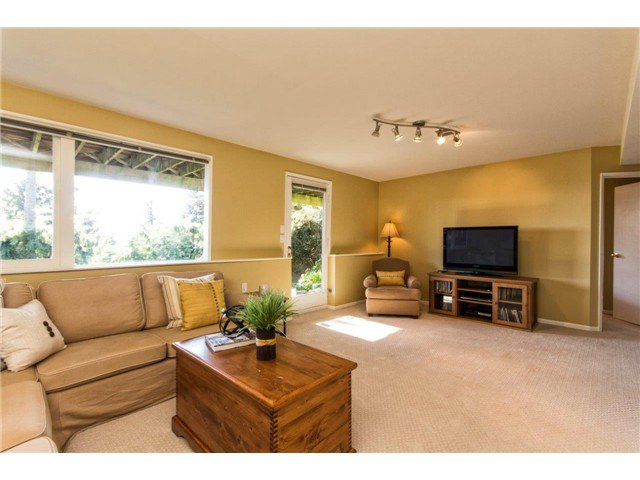 Photo 11: Photos: 473 MONTERAY Avenue in North Vancouver: Upper Delbrook House for sale : MLS®# V1115755