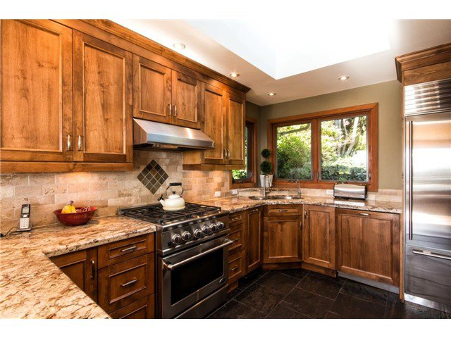Photo 4: Photos: 473 MONTERAY Avenue in North Vancouver: Upper Delbrook House for sale : MLS®# V1115755