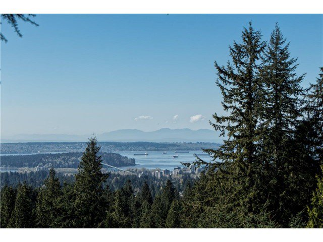 Photo 17: Photos: 473 MONTERAY Avenue in North Vancouver: Upper Delbrook House for sale : MLS®# V1115755