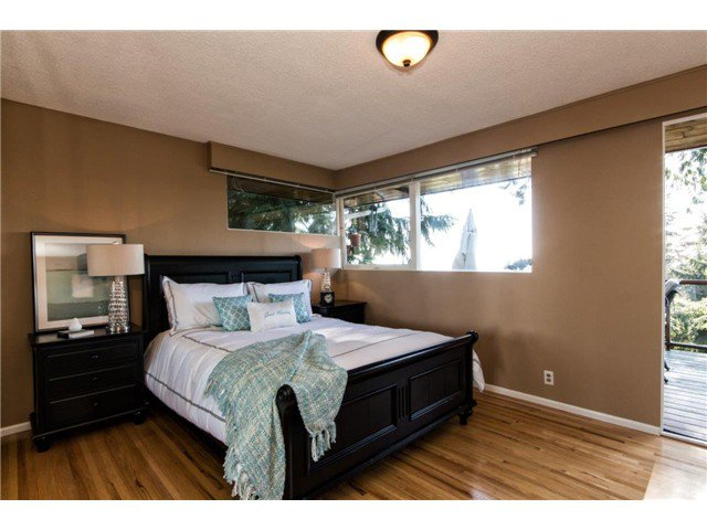 Photo 10: Photos: 473 MONTERAY Avenue in North Vancouver: Upper Delbrook House for sale : MLS®# V1115755