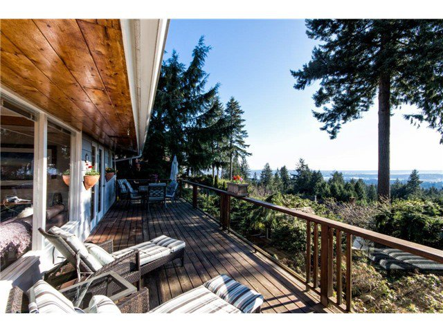 Photo 18: Photos: 473 MONTERAY Avenue in North Vancouver: Upper Delbrook House for sale : MLS®# V1115755
